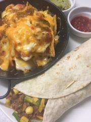 Burrito con nachos